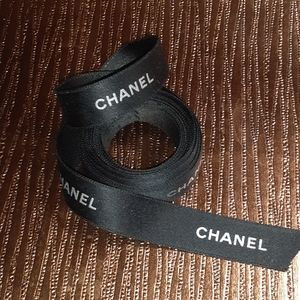 CHANEL RIBBON black & White 60in (…